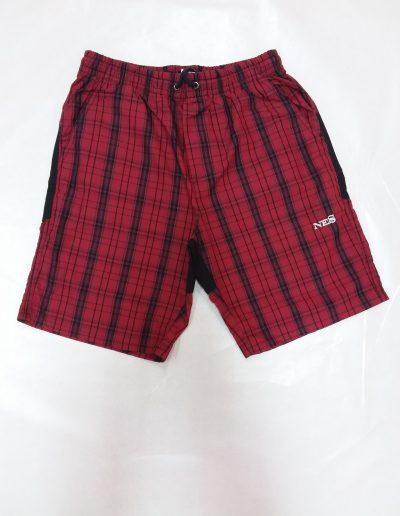 Kratke hlače karo rdeče